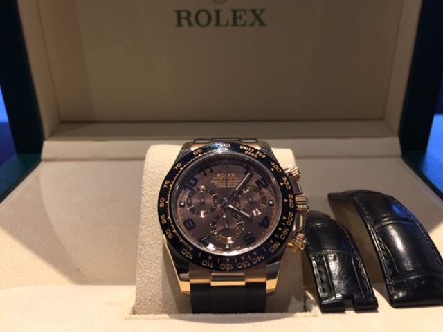 ロレックス デイトナ 116515LNを東京都のお客様より買取いたしました