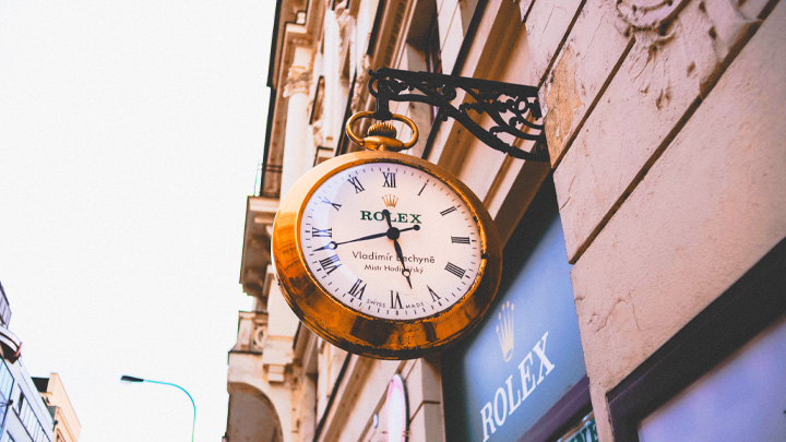 ①信頼性の高い高品質な時計の造り