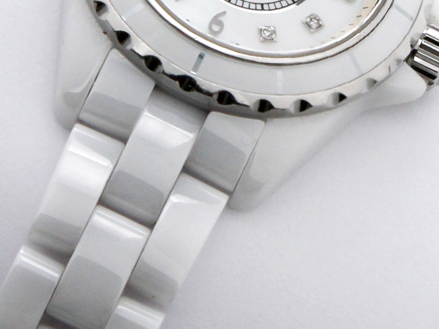 腕時計の素材「セラミック」について